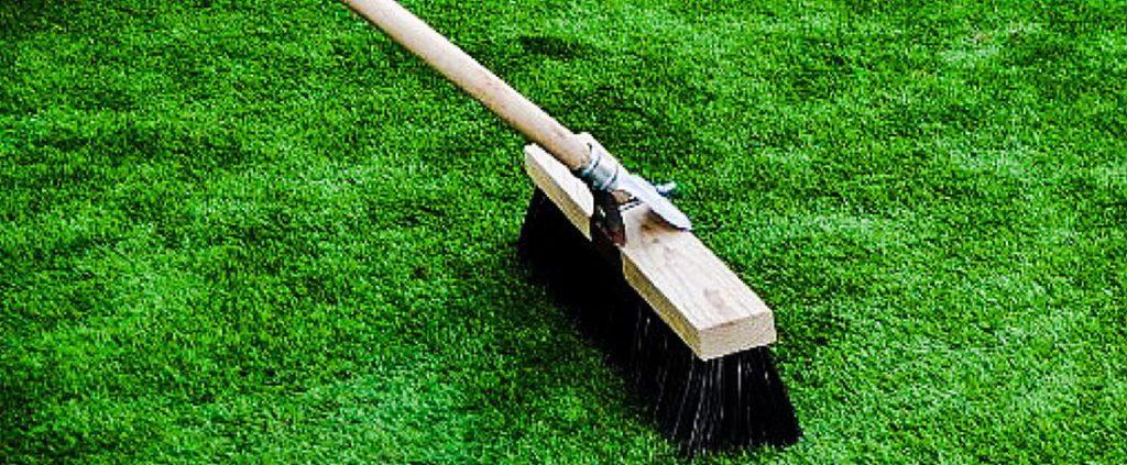 mantenimiento cesped artificial campo de futbol