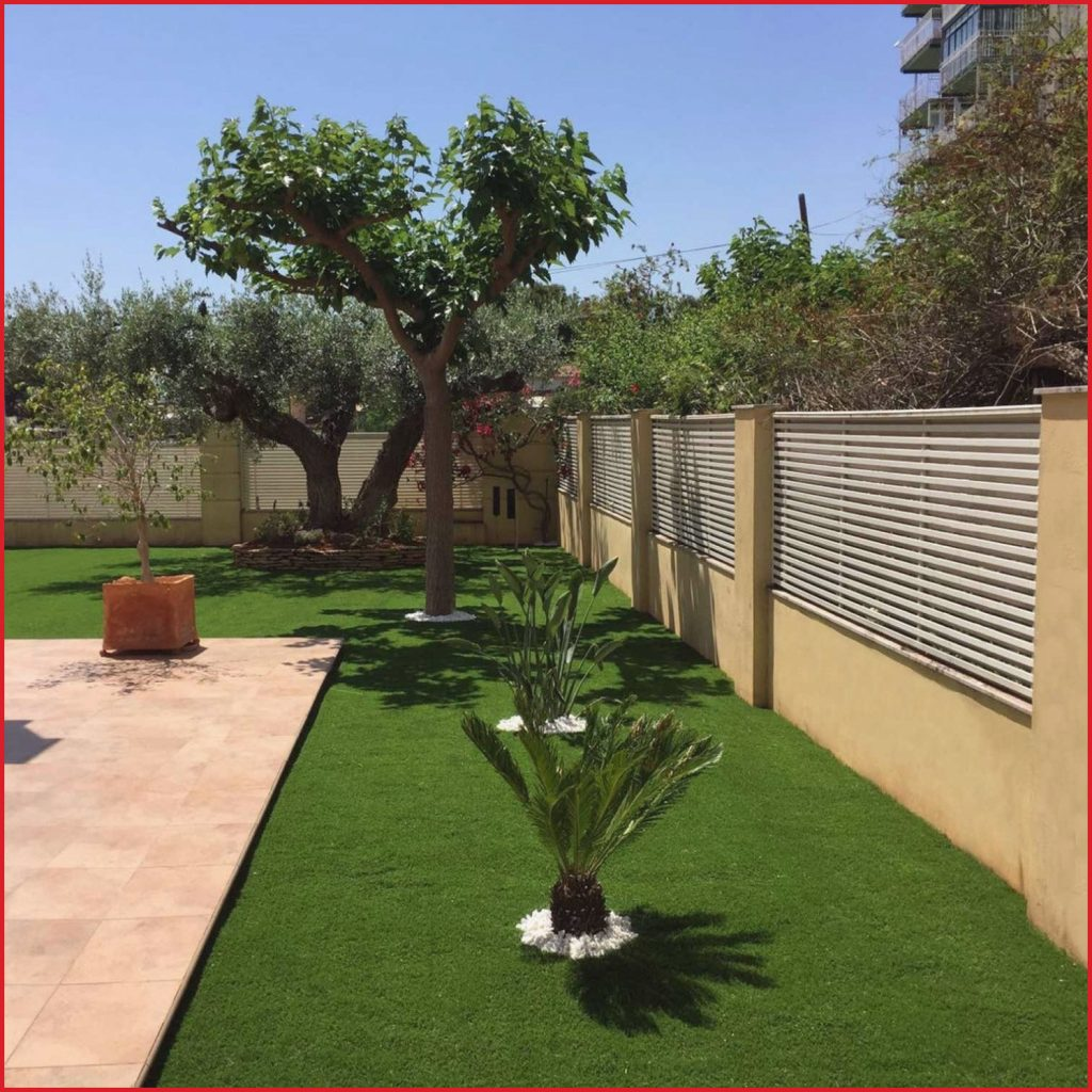 jardines decorados con cesped artificial