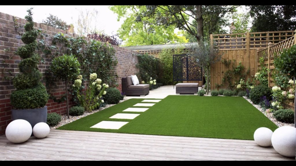 como hacer un jardin con cesped artificial